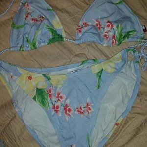 2 pc bikini floral Hawaiian print lightly worn